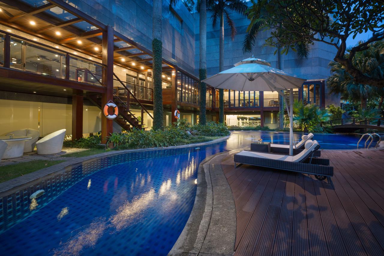 Khách sạn 5 sao Hà Nội Hồ Tây