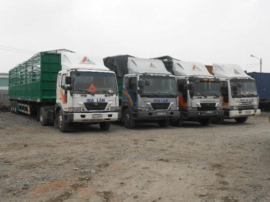vận chuyển hàng hóa container bằng đường biển