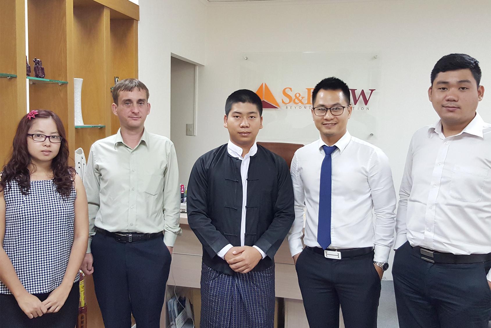 luật sư Hà Nội
