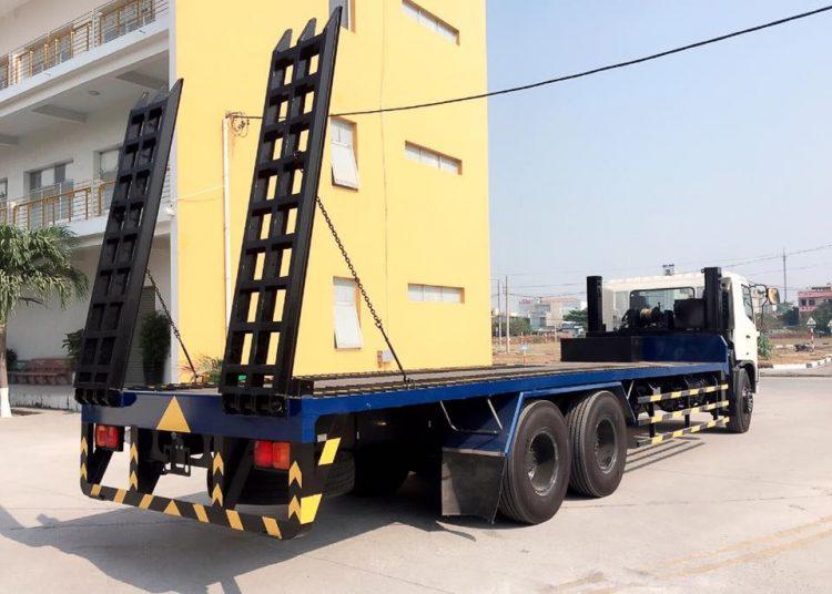 Công ty TNHH Thương mại và vận tải Đông Đô
