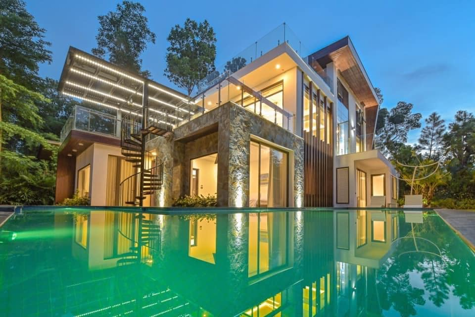 Luxury Flamingo Villa